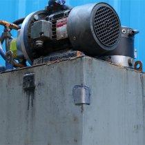 Naprawa wanny olejowej ciężkiego wyposażenia z użyciem materiału Belzona 1212