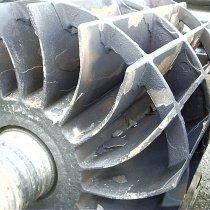 Uszkodzona pompa próżniowa odbudowana z użyciem materiału firmy Belzona