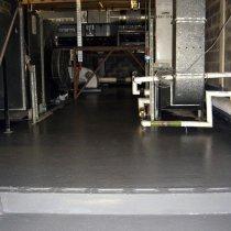 Materiał Belzona 5231 (SG Laminate) zastosowany do naprawy i zabezpieczenia nieszczelnej podłogi bez zakłócenia funkcjonowania szpitala