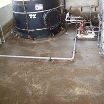 Uszkodzona dodatkowa strefa bezpiecznego przechowywania substancji chemicznych