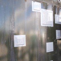 Płyty naprawcze wstępnie pokryte materiałem Belzona 5831 (ST-Barrier) zastosowano metodą spajania na zimno na obszarach uszkodzonych z użyciem spoiwa Belzona 1831 (Super UW-Metal)