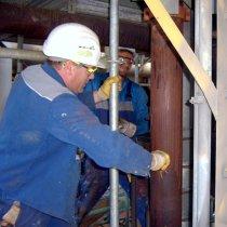 Przygotowanie powierzchni skorodowanego rurociągu w rafinerii
