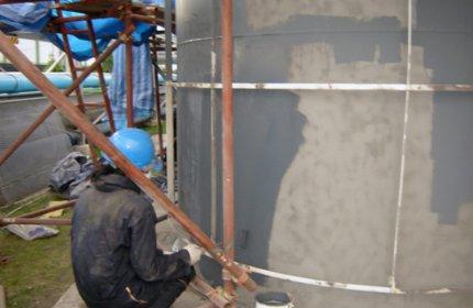 Nakładanie powłoki Belzona 6111 (Liquid Anode) na zbiornik